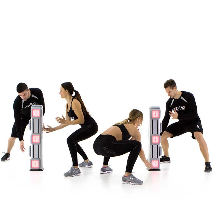 athletes group training exercices with the reax lights system