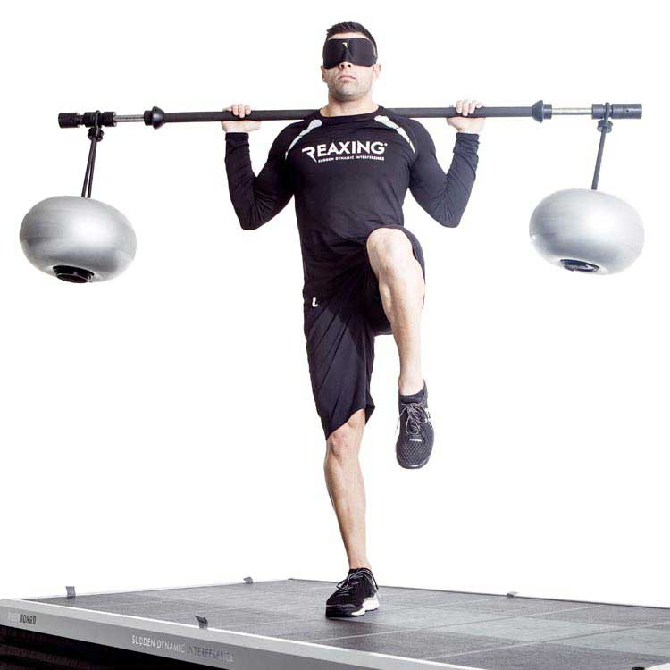 Athlete train with a reaxlift Wearing a specific zero vision eye mask